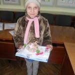 Іваночка принесла свої подарунки солдатам