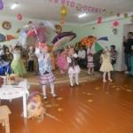 Танець з парасольками